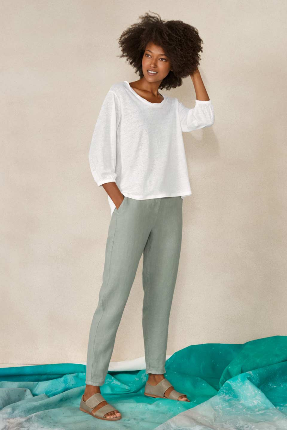 New linen trousers